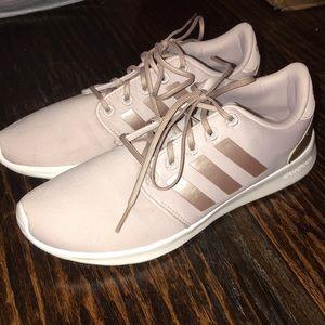 Worn once women's adidas cloudfoam running shoes